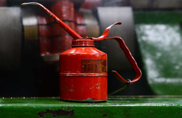 metal gas can,